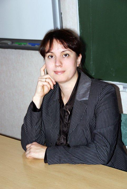Ирина Александровна Мурзинова - кандидат филологических наук, доцент кафедры германских и романских языков